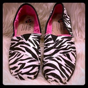 New! Bobs Sketchers Leather! Zebra! Hot pink!